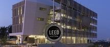 בניין החוג ללימודי הסביבה קיבל את ההסמכה הסופית של התקן האמריקאי לבנייה ירוקה, בדירוג הגבוה ביותר: LEED Platinum