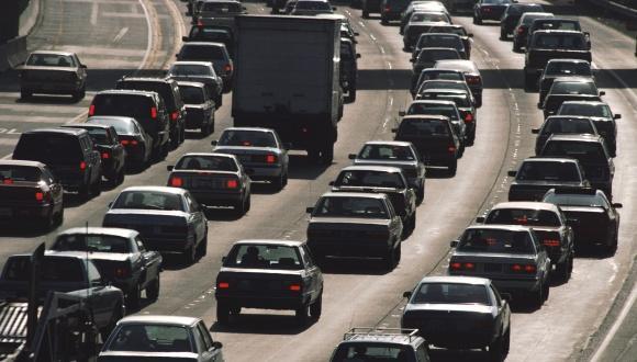 """החזר הוצאות נסיעה בתפקיד (""""החזר הוצאות רכב"""") בקרב עובדי המגזר הציבורי – השלכות על בעלות ושימוש מוגבר ברכב פרטי ונכונות לשינוי המצב מנקודת מבט של העובדים"""