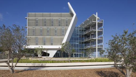 """בניין בית הספר ללימודי הסביבה ע""""ש פורטר באוניברסיטת תל אביב זכה בפרס ראשון בקטגוריית קיימות - AEC Excellence Awards 2017"""