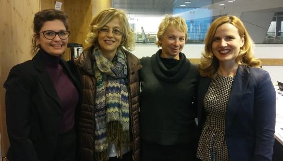 סגנית ראש עיריית טיראנה, אלבניה מבקרת בבית הספר פורטר ללימודי הסביבה